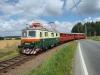 Obr. 3 - Bobinka přijíždí z Tábora do stanice Sudoměřice u Bechyně, kde se bude křižovat s Elinkou