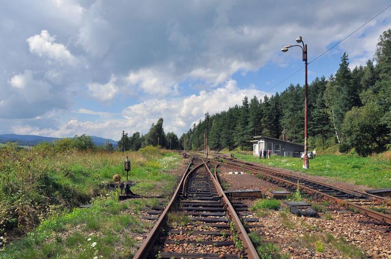 Vjezd do stanice Hrotová úvrať z osy koleje od Kájova
