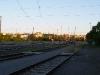 Západ na Žižkovem při pohledu z liduprázdného nádraží Praha-Bubny