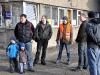 Čekají i Michal, Dan, Franta, Mrak, Honza, pět kluků a já a ještě jeden Dan (mimo obraz)