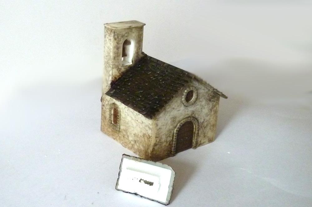 Kostelík s uříznutou špičkou věže