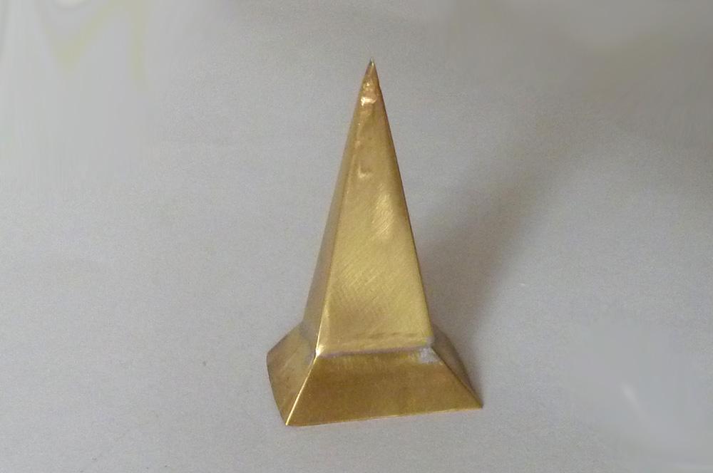 Spájená věžička z mosazného plechu 0,16 mm po hrubém vybroušení