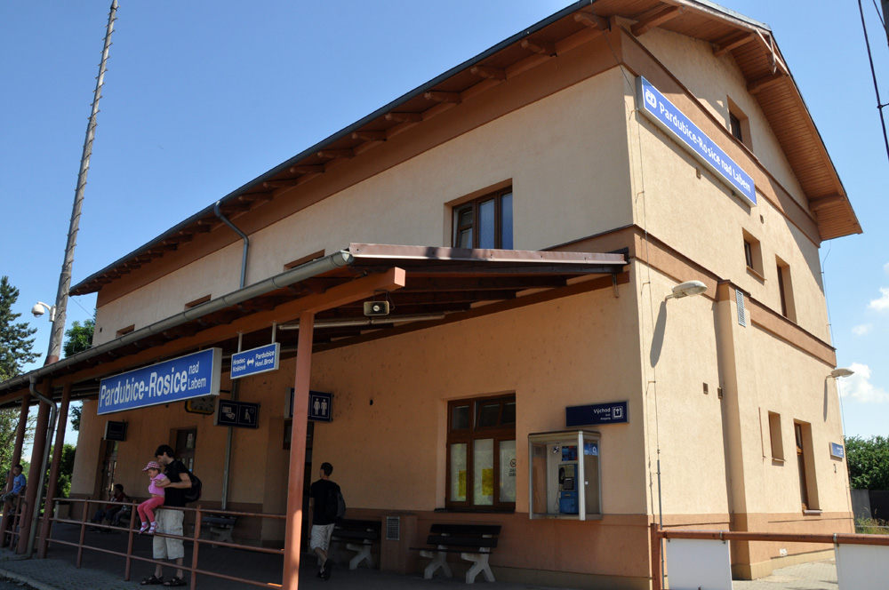 Funční objekt stanice Rosice nad Labem