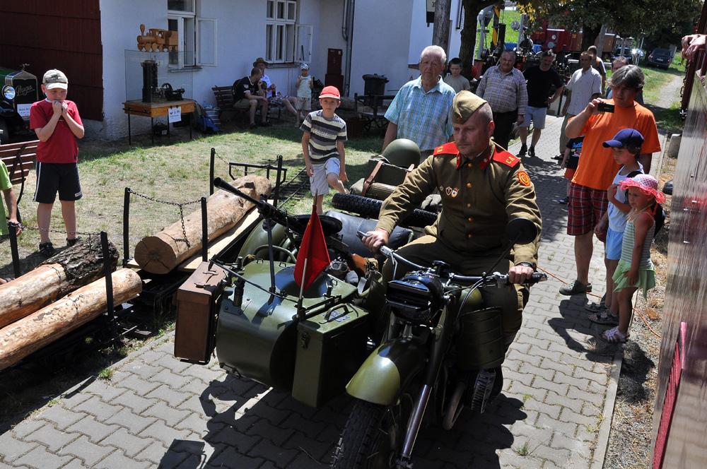 Sovětský soldat se vrací na frontu