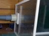 Vyústění odtahu vzduchu v zadní části boční stěny