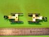 Podvozky mají zabudovaný mechanizmus spřáhla a jsou opatřeny odlitky masek