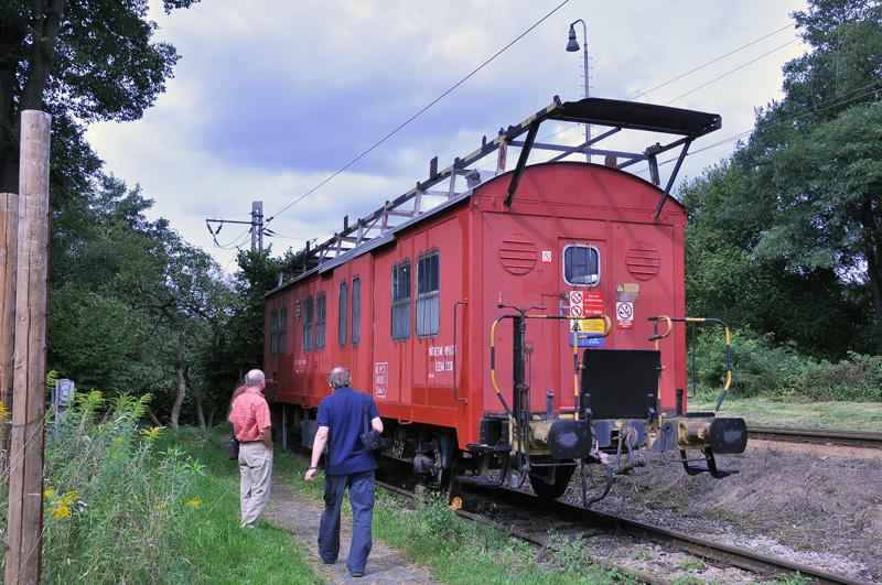 Agregátový vagon odstavený na kusé koleji