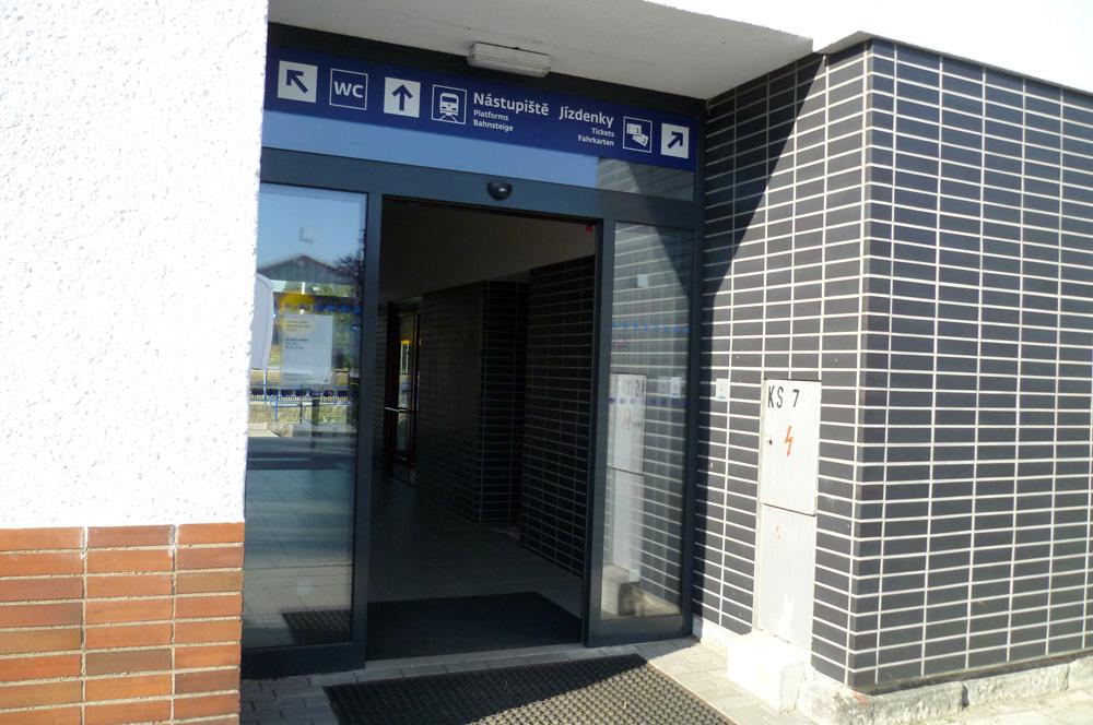 Vstup do nádraží