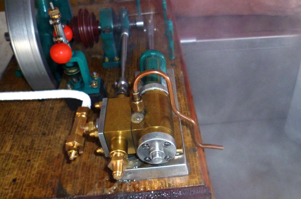 Model parního stroje nám neznámého výrobce