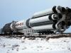 Bajkonur - přesun rakety Proton na startovací rampu