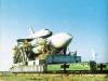 Bajkonur - vzácný snímek přepravy rakety Eněrgija s připevněným raketoplánem Buran