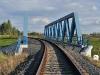 Železniční most přes R6 (pohled ve směru k Jenči)