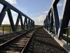 Železniční most přes R6 (pohled ve směru ke Slanému)